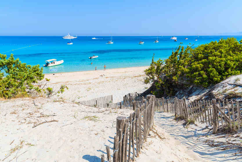 The path to Saleccia Beach